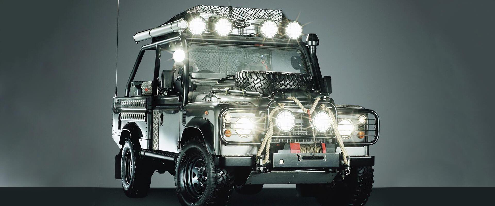 Land Rover e o cinema:  Os 3 carros mais incríveis da marca utilizados em filmes
