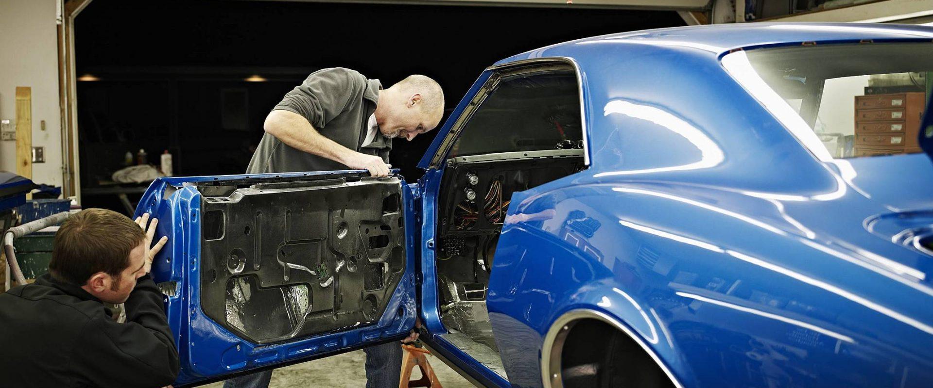 Como é feita a restauração de carros antigos? Entenda